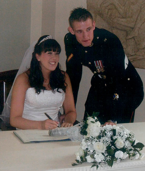 Marine on Standby Marries His Girl