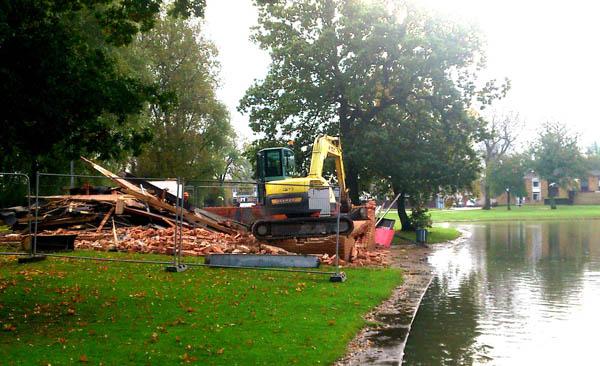 West Park Lake Boathouse Demolished