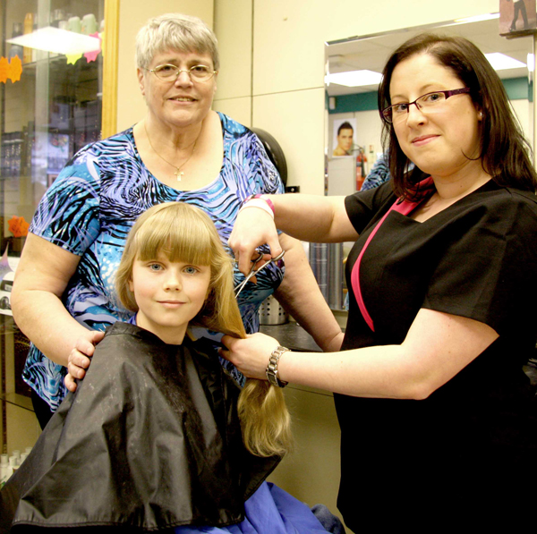 Jessica-Marie Has Hair Cut to Make Wig for Cancer Victim