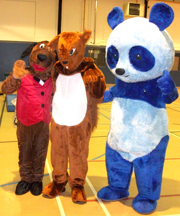 Horndale Hound Visits Aycliffe Autism Centre