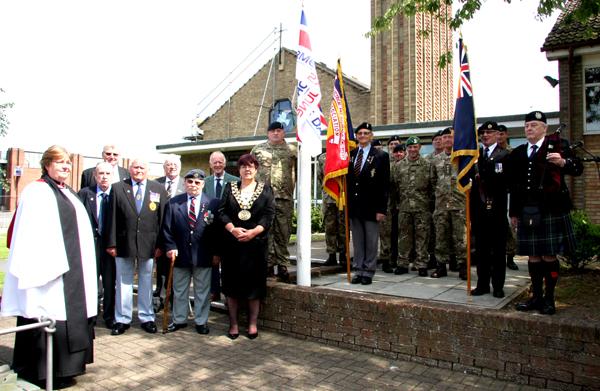 Mayor Raises Flag for Armed Forces Week