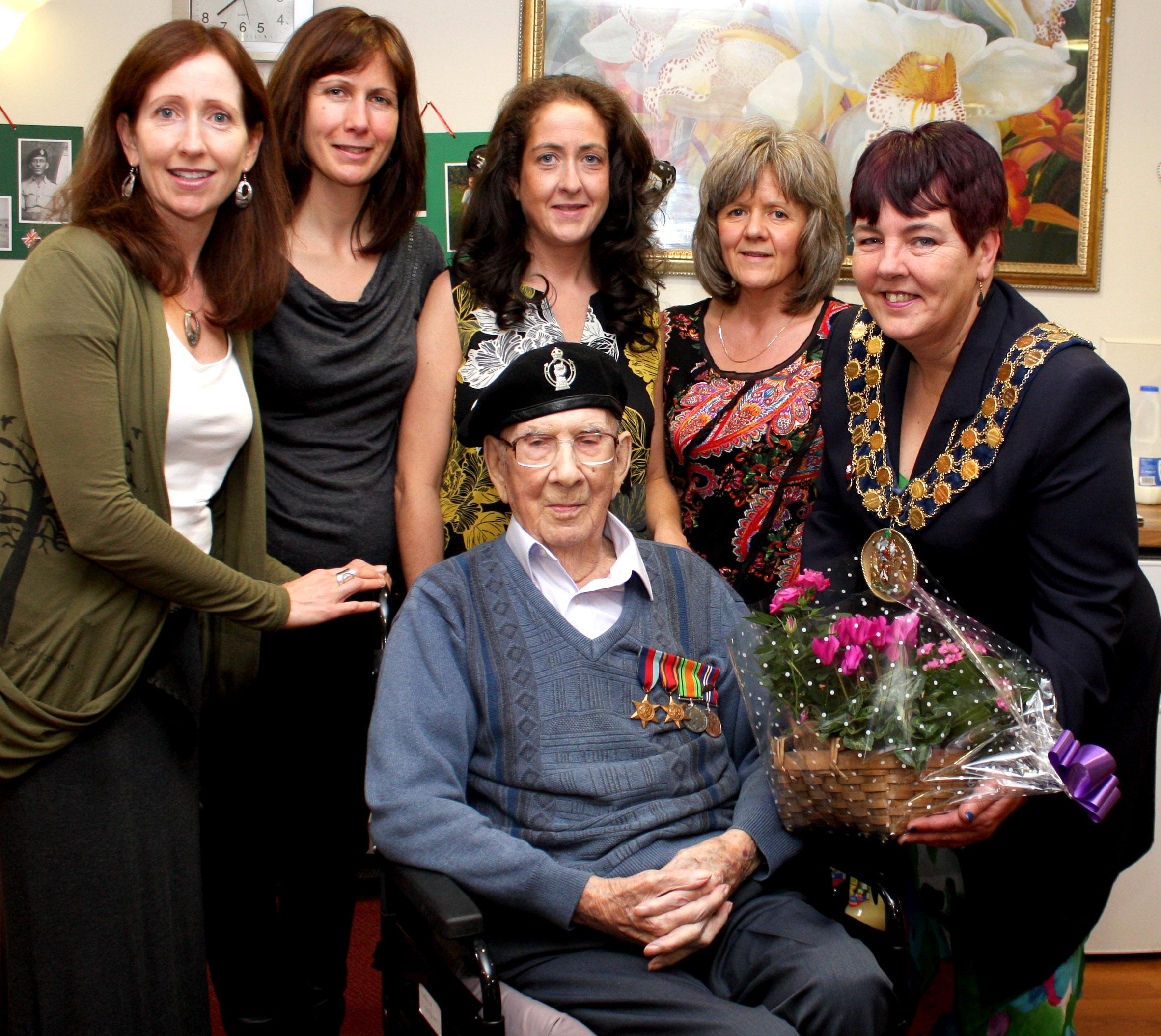 Les Celebrates His 100th