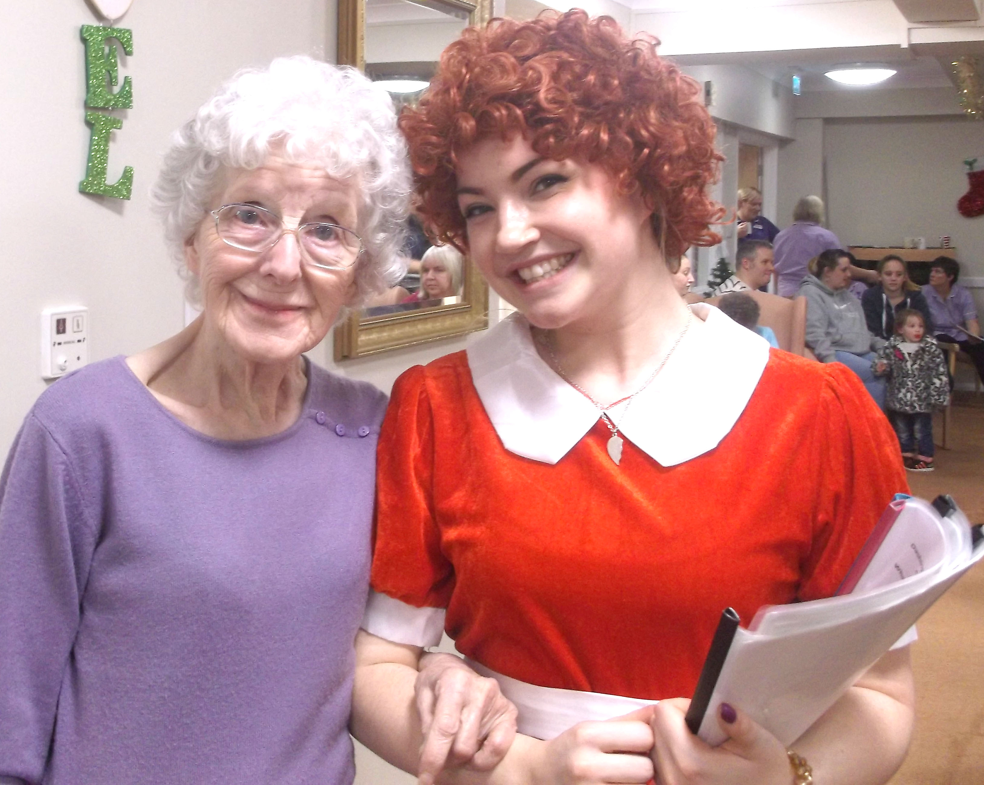 """Annie"" Show for Care Home Residents"