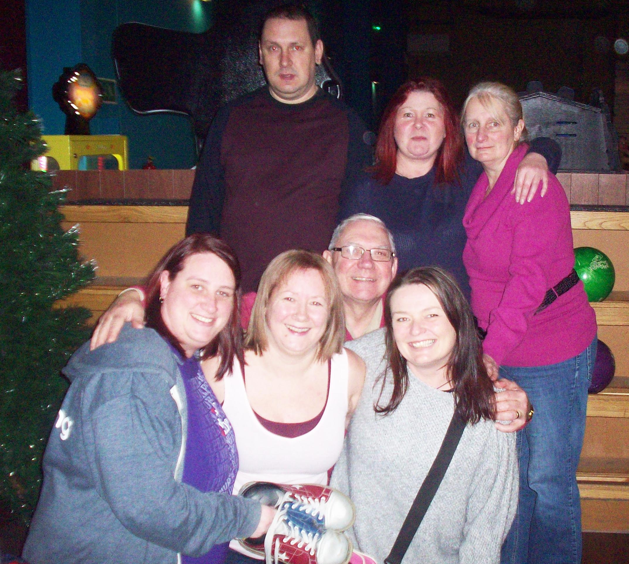 Staff & Volunteers Enjoy Night Out at Planet Leisure