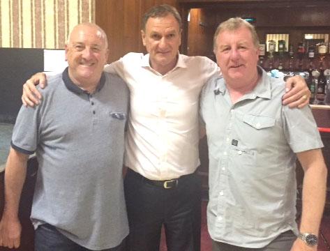Liverpool Legend  Visits Aycliffe