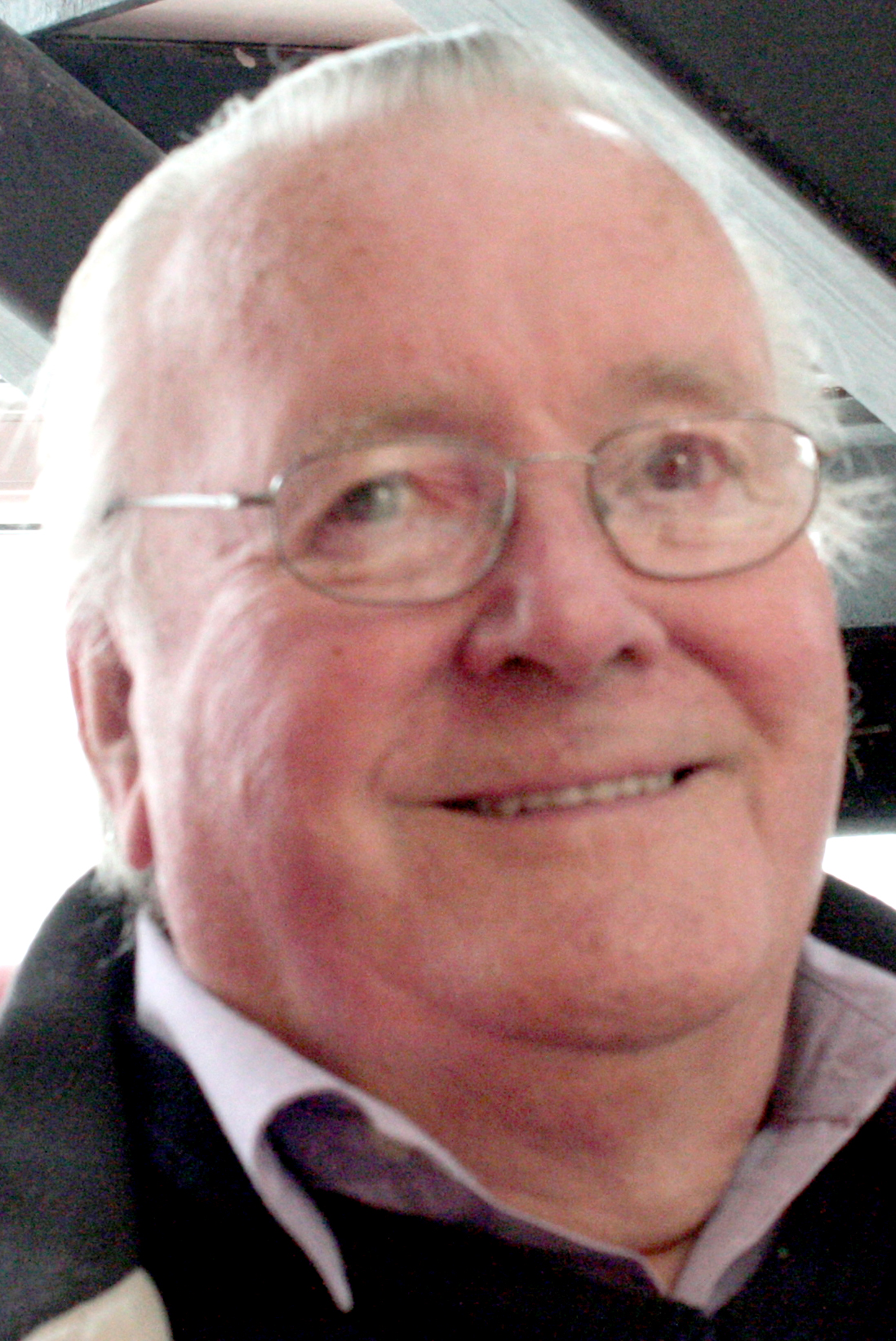 Community Centre Manager Must Retire
