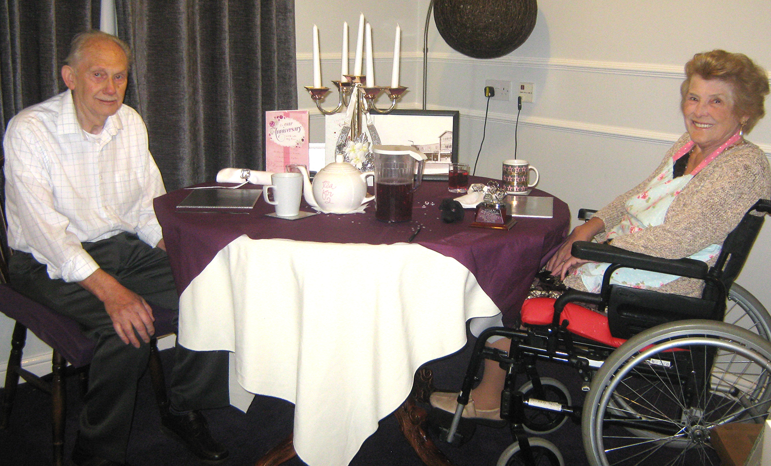 Care Home Surprise for Couple's Anniversary