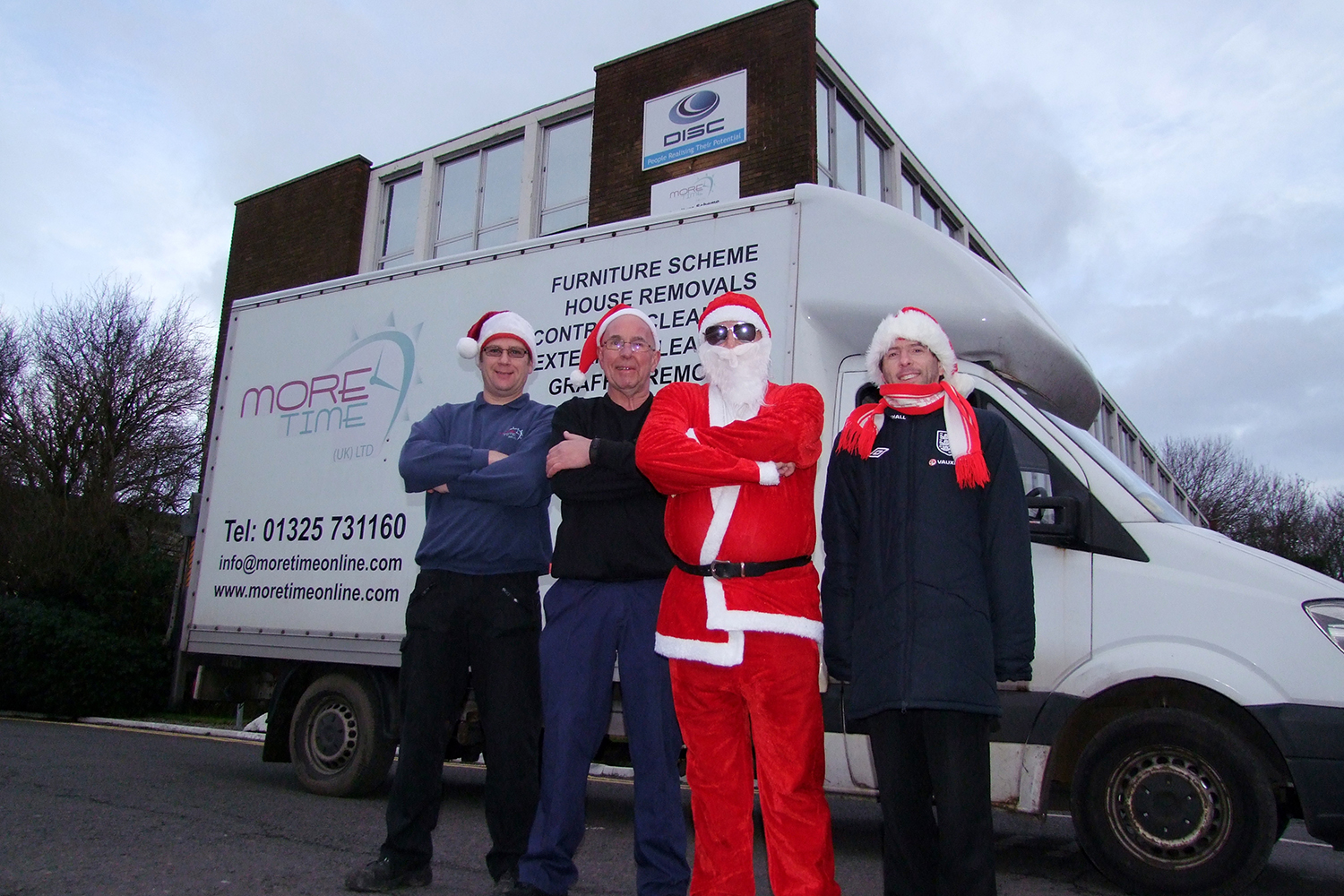 Volunteers Work Flat Out for Christmas