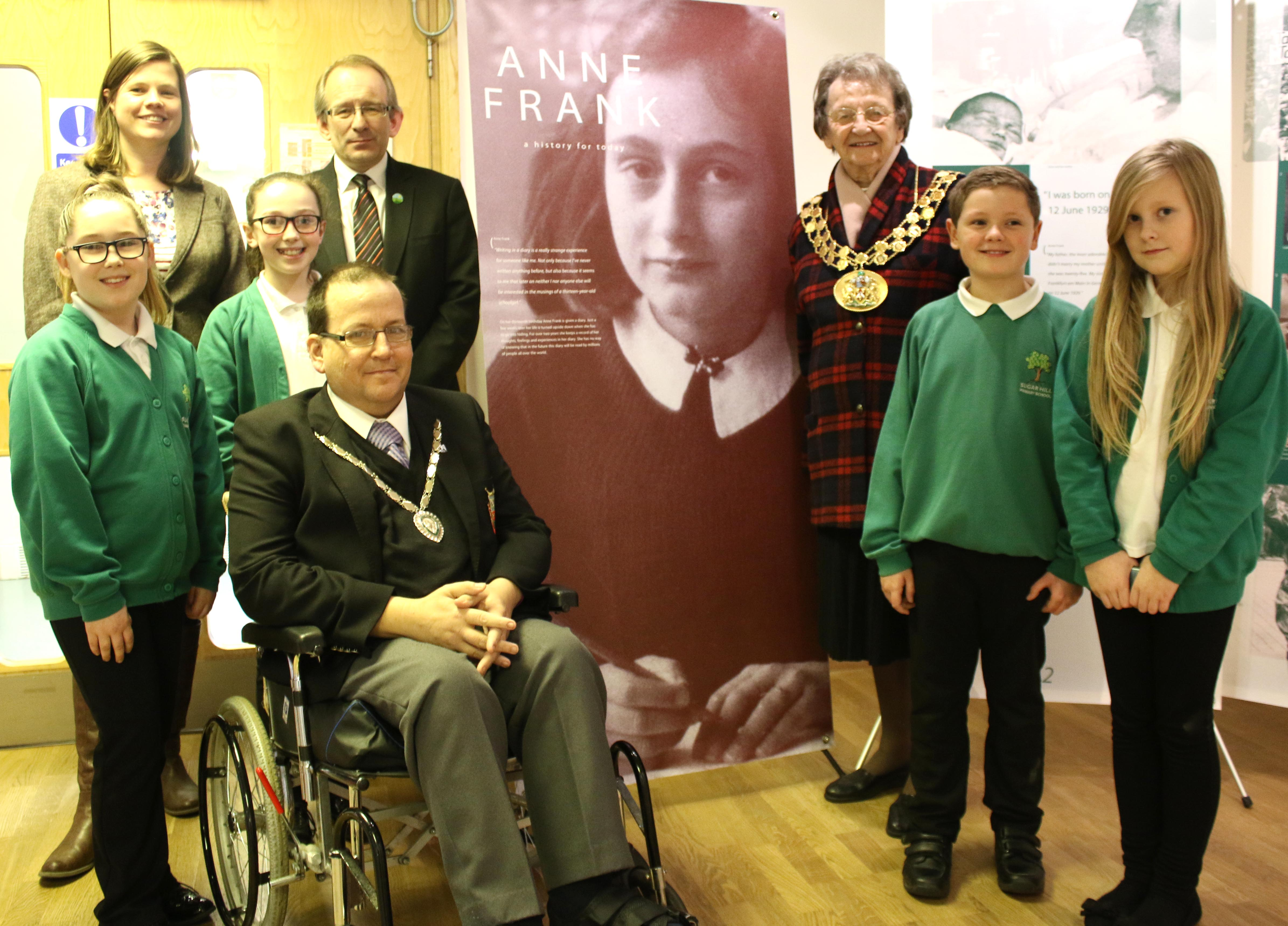 Mayor Marks Holocaust Day