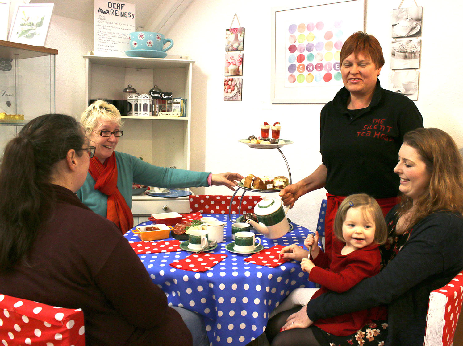 """""""Tea House"""" for the Deaf Opens in Town Centre"""