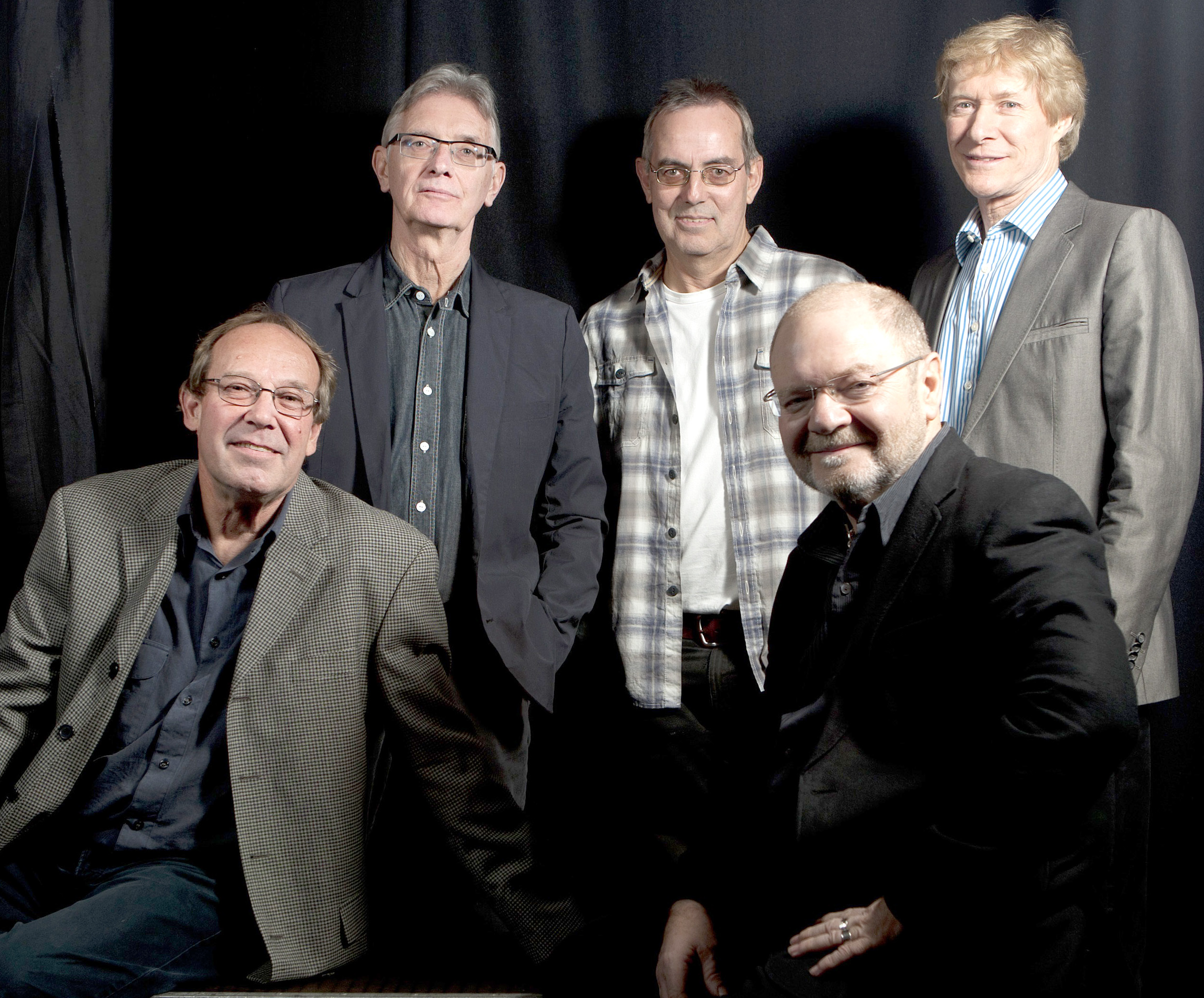 Blues Band Returns to Gala Theatre