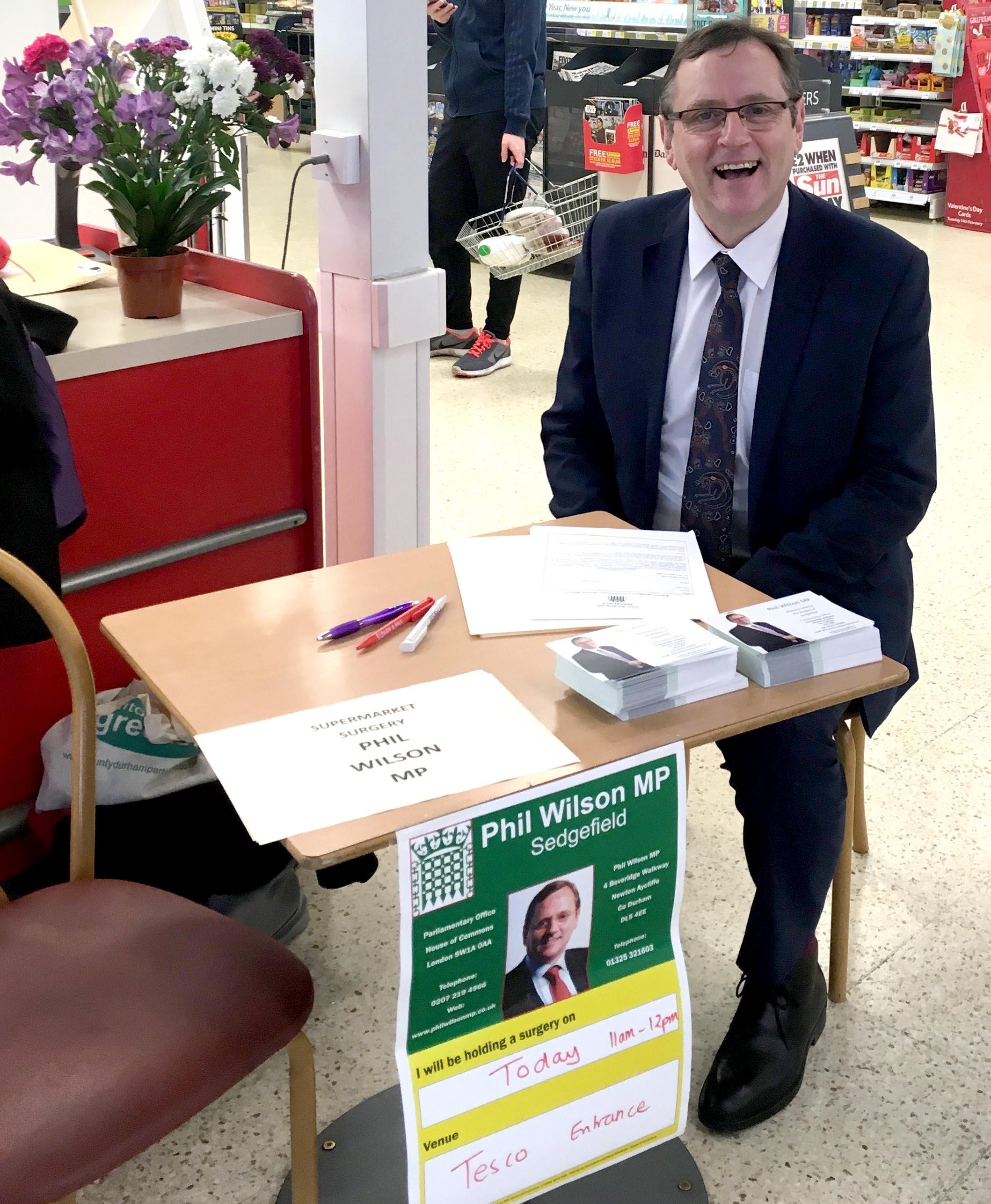 Customers Meet MP Phil in Tesco's