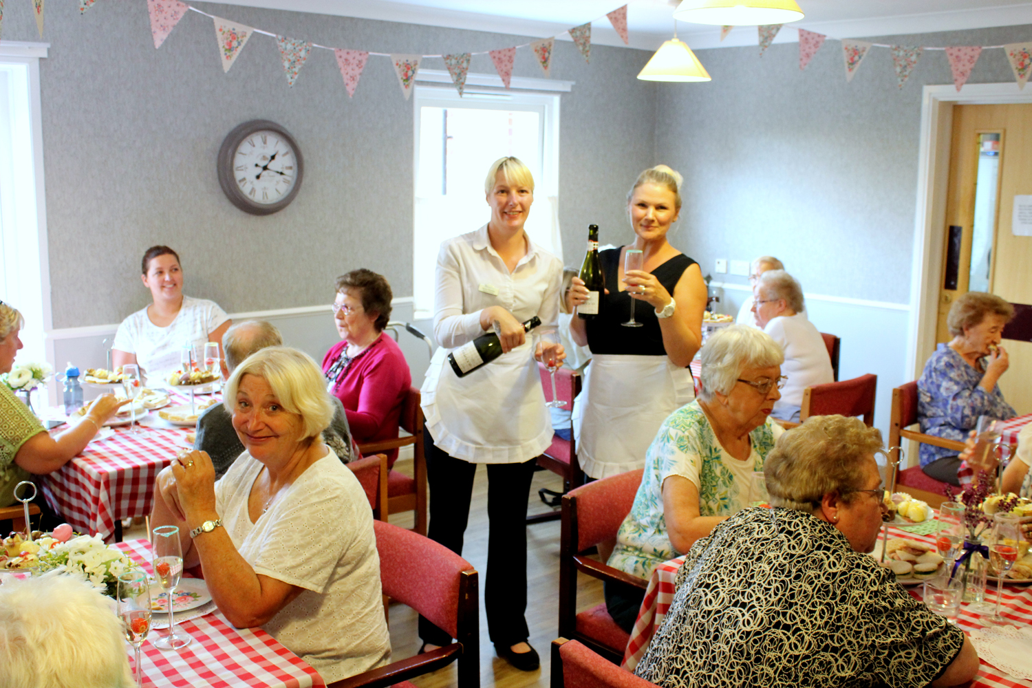 Care Home Welcomes Locals to Lunch