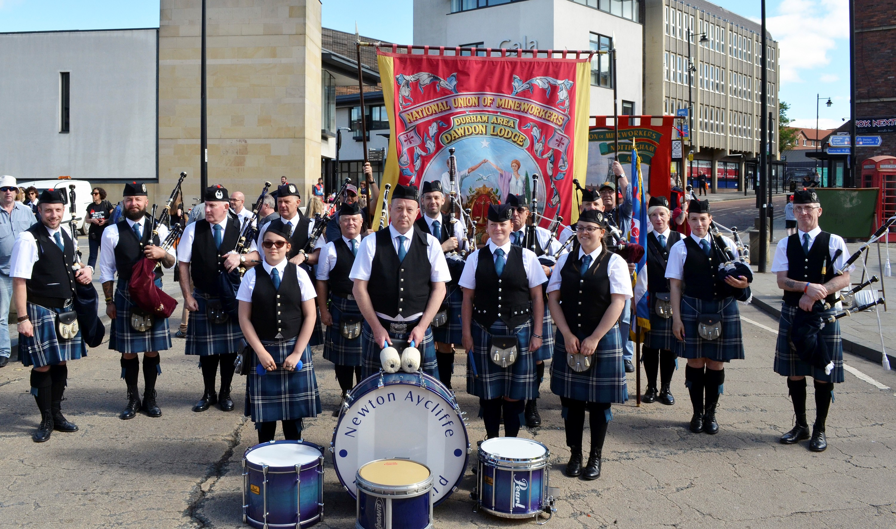 Town's Pipe Band Recruiting