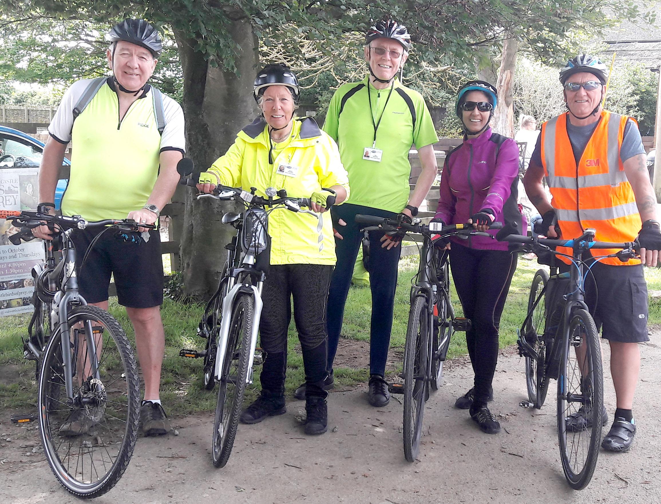 PCP Cyclists Help with Yr6 Bike Ride