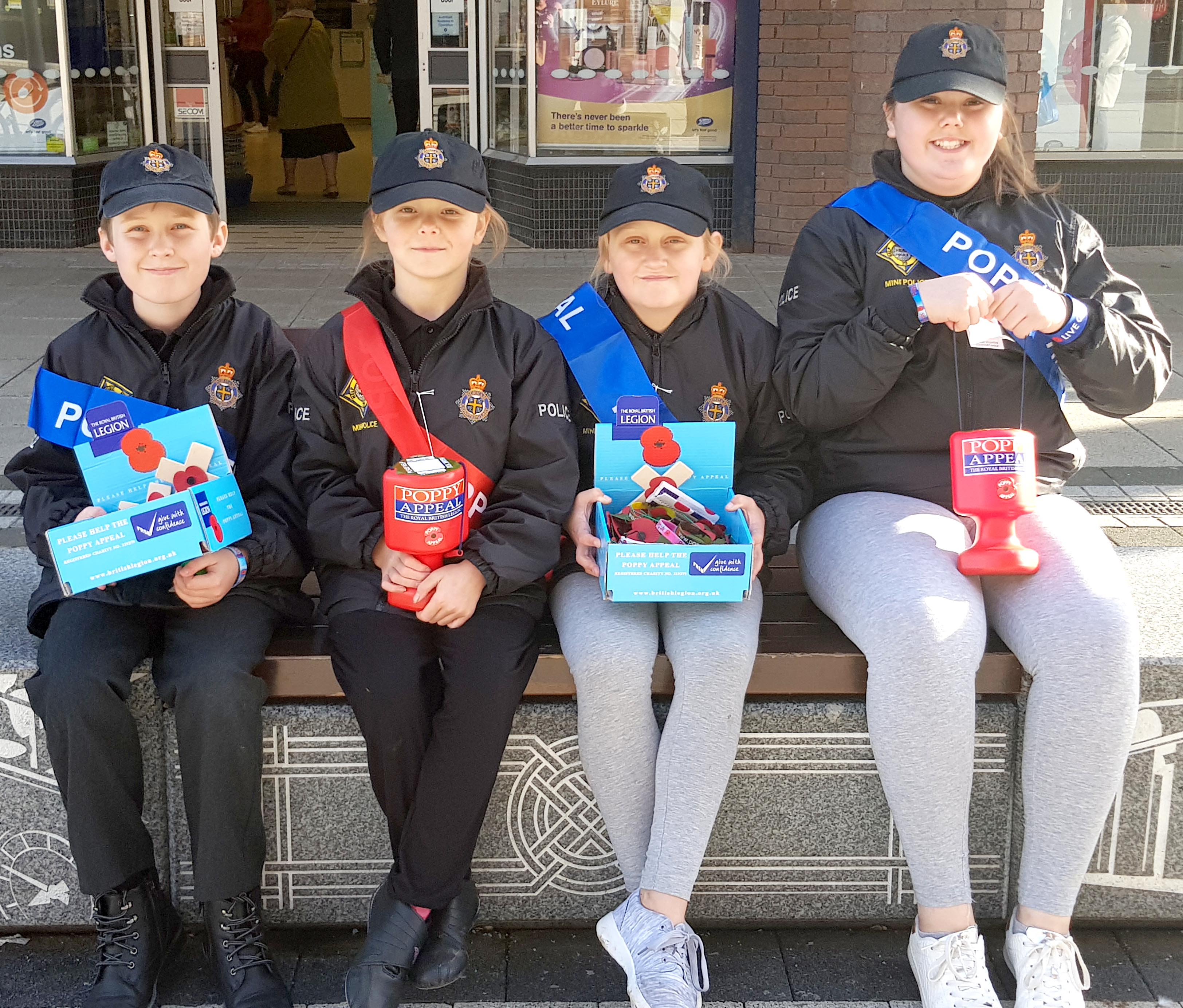 Mini Police Support Poppy Appeal