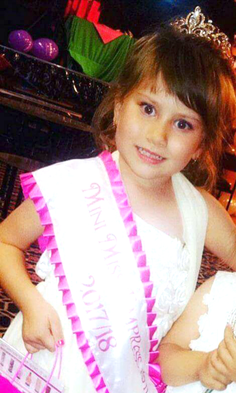 Four year old Pageant Queen Helps Charity