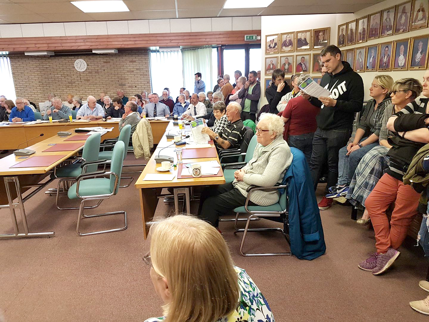 Public Pack Council Chamber in Opposition to Livin's Regeneration Scheme