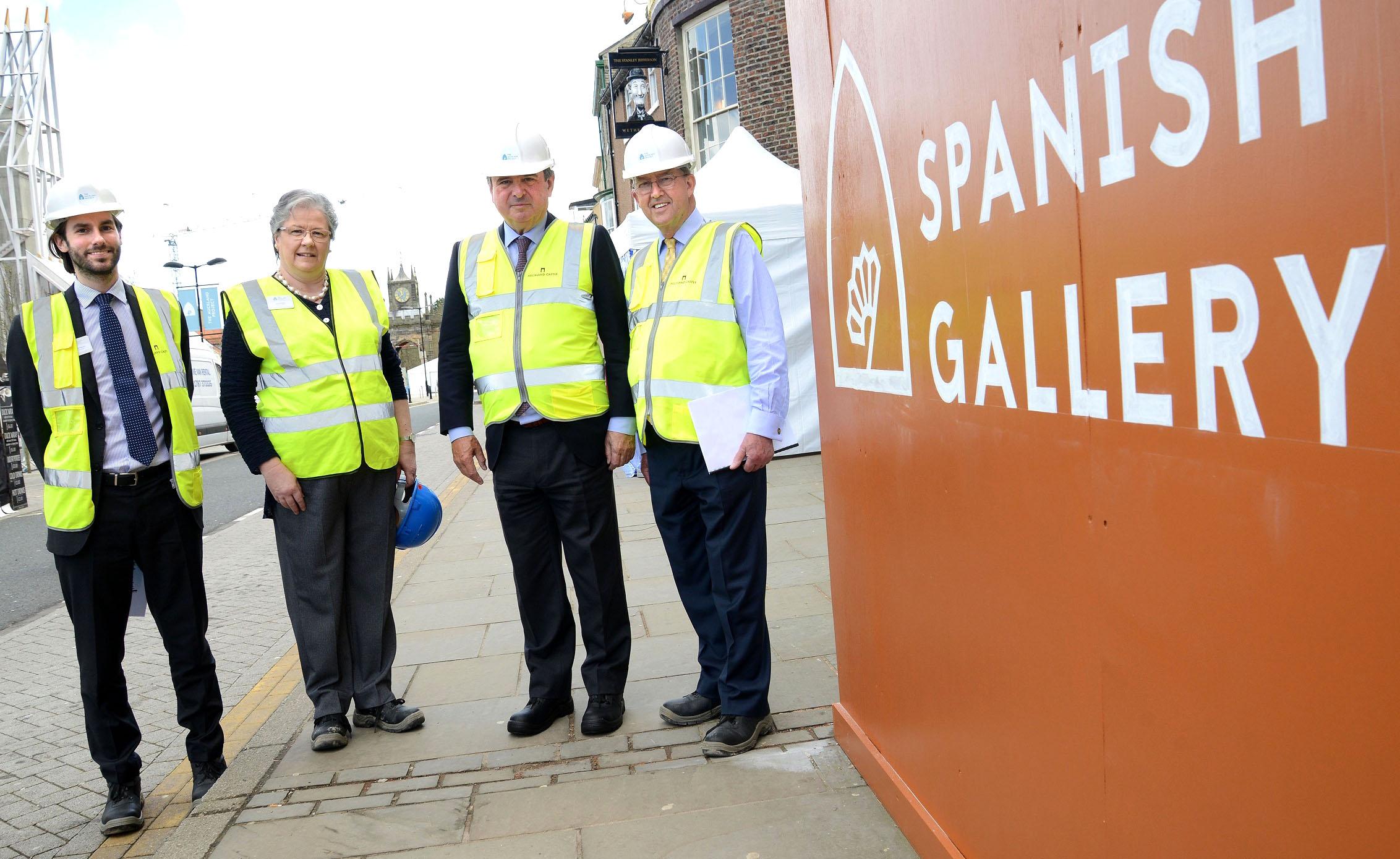 Spanish Ambassador Visits Art Gallery