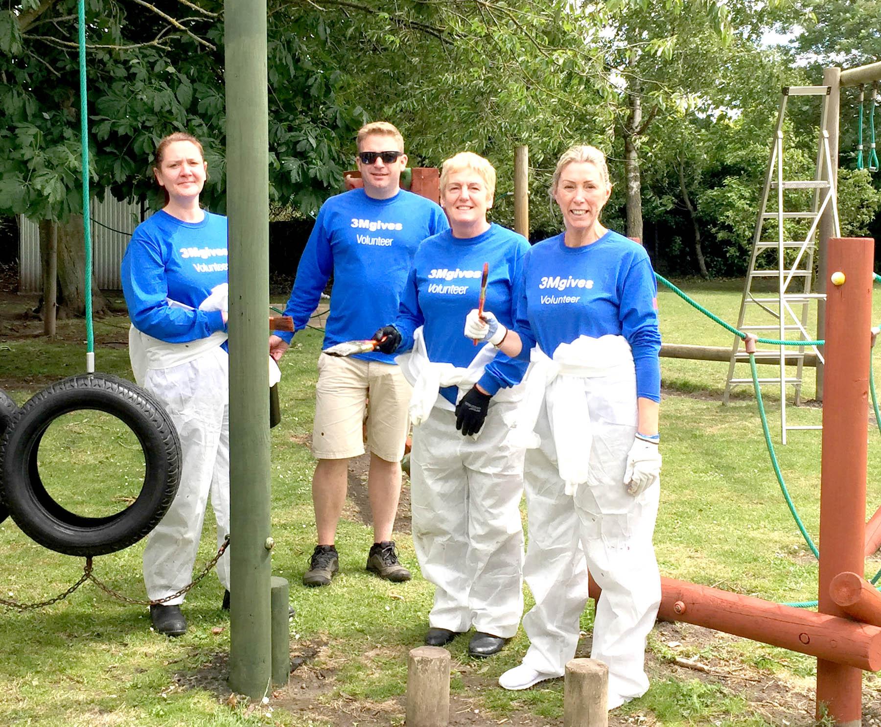 3M Volunteers at Work in Aycliffe School