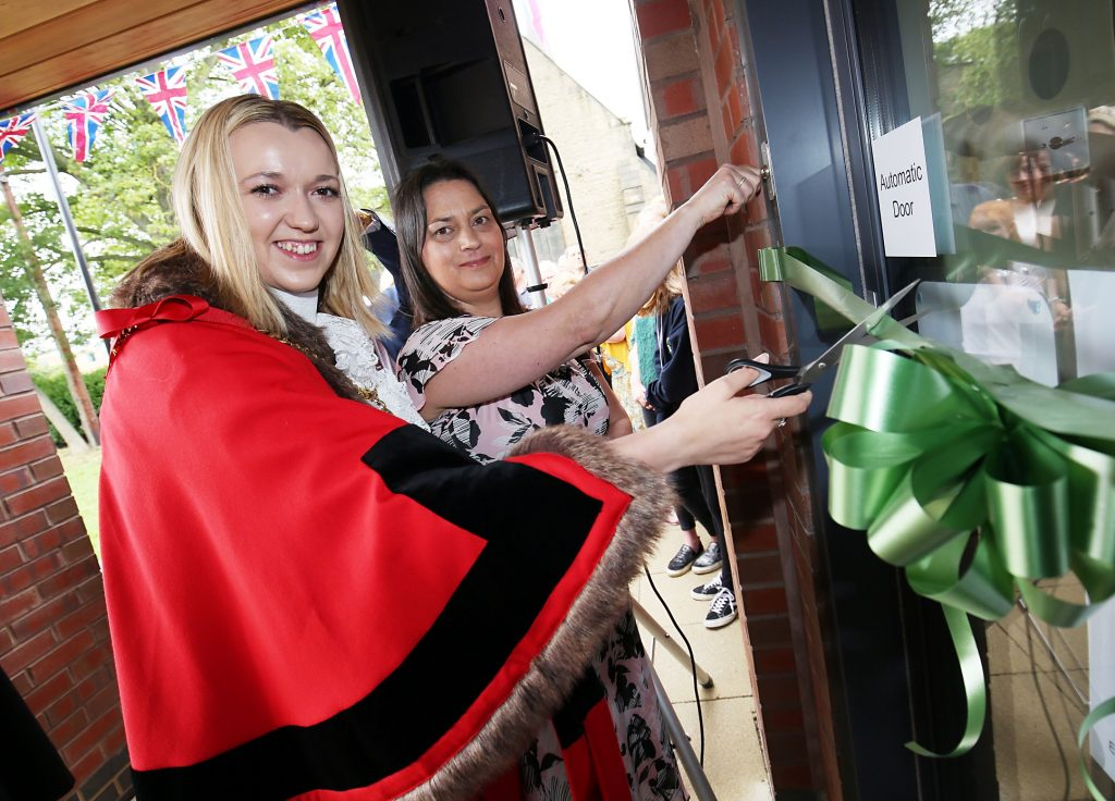 Celebrations as new village hall rises from the ashes | Newton News