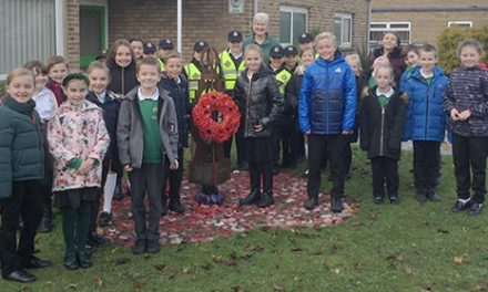 School Commemorate Remembrance Day