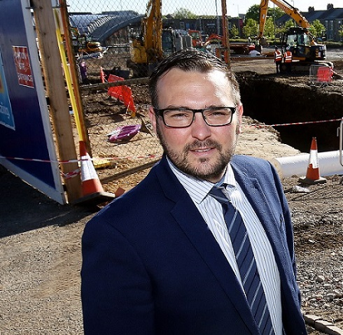 Council Pledges Support to Hitachi and Staff