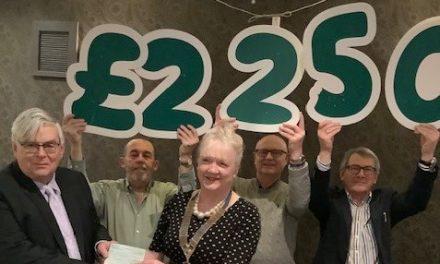 £2,250 Donation from Rotary to Macmillan